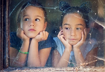 two girls by the window_small